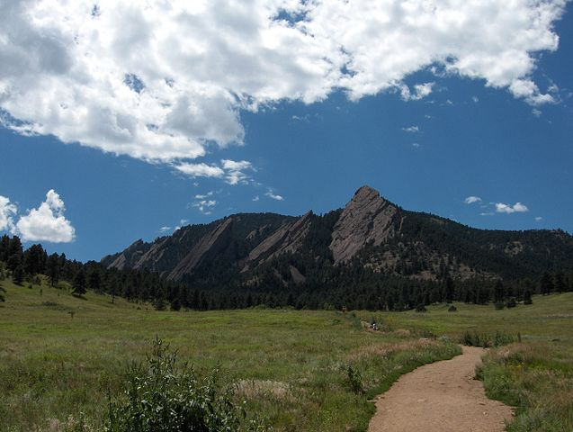 637px-Bouldercolorado